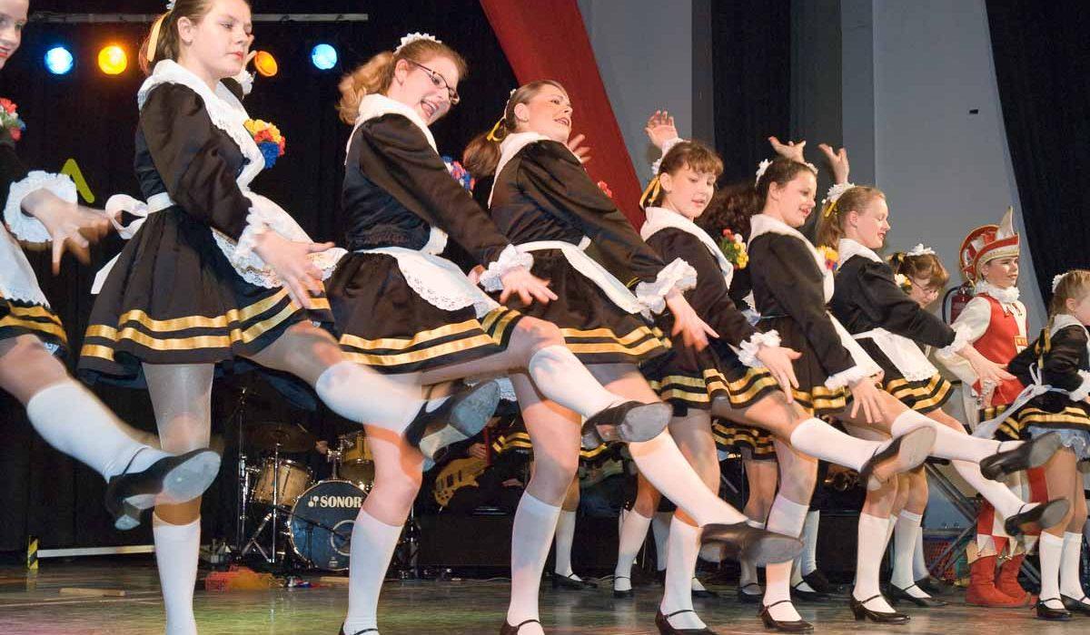 """Karneval 2007: Die Kindertanzgruppe """"Hellige Pänz"""" der Lyskircher Junge."""